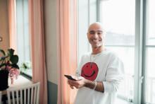 Startup som lockar medarbetare till äldreomsorgen firar 1 år - och 35 000 besökare