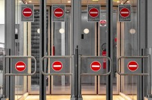 Check(point) List - The pro's guide to airport security