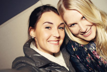 Svenskarna tycker det är svårt att träffa nya vänner – Kvinnor har svårare än män att hitta nya kompisar