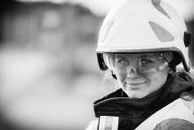 Ungdomar lär ungdomar om brandskydd och säkerhet