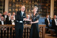 Professor Lena Liepe mottog pris vid Vitterhetsakademiens högtidssammankomst