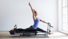Hollywoodreifes Pilates Training - Mit der CAPITAL SPORTS Pilato Pilatesbank