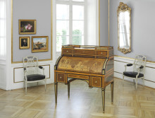 Roentgen Bureau up for Auction in September 2016