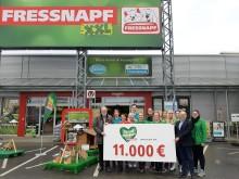 """""""Nachbarschaftshilfe"""" für den Krefelder Zoo: Fressnapf XXL Krefeld und Unternehmenszentrale spenden aus Kundenaktion 11.000 Euro"""