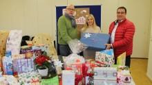"""Villeroy & Boch-Mitarbeiter erfüllen Kindern Weihnachtswünsche: Aktion """"Wunsch-Weihnachtsbaum"""" auch in diesem Jahr großer Erfolg"""