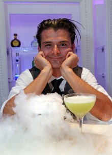 Erik Lorincz vinnare av 'UK:s Best Bartender' vid finalen av World Class