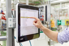 Multi-Touch-Operated, IP 65-Compliant Industrial Panel PCs: The Calling Card for your System