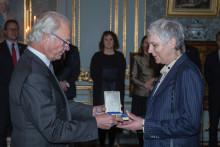 Ann Wåhlström belönas med Prins Eugen-medaljen av H.M. Konungen