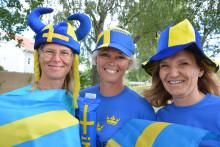 Heja fram Sverige på storbildsskärm på Kungsbacka torg