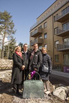 Civilkurage i fokus när Einar Mattsson inviger bronsväskor