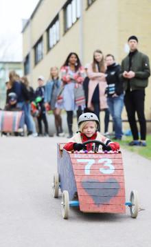 Lådbilsracing på Karlstads universitet