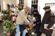 Southern helps first-class florist's dreams blossom at Horley station