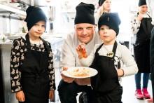 Michael Björklund och 500 barn bakom årets sommarmeny på Viking Line