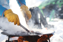 Offpiståkning och matlagning över öppen eld. Årets skönaste skidresa!