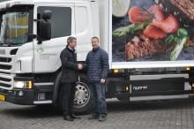 Første hybrid-lastbil leveret til Lantmännen Schulstad
