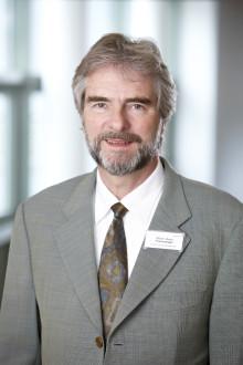 Postraumatische Belastungsstörungen nach Unfällen: Trauma-Experte Dr. Ulrich Frommberger informiert in Magazin-Beitrag