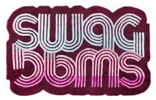 GURL, BRUH och SWAG – Designgalleriet visar mattkollektionen Soft Walk