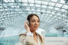 Premium-Sound und Noise Cancelling der Extraklasse: Sonys neuesten Kopfhörer MDR-1000X gibt es ab sofort auch in Österreich