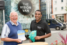 Vision Express and the International Glaucoma Association join forces during World Glaucoma Week 2017 on a tour around the UK