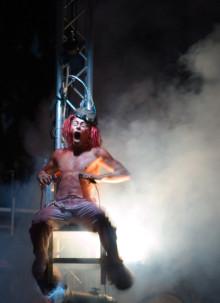 """""""Gasoline-drenched punk circus"""" på Fringe Festival"""