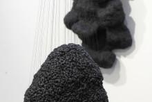 MALMÖ • Skulpterade trådar sammanfogar allmänmänskliga tillstånd – vernissage för Jessica Johannessons utställning på Galleri S:t Gertrud.