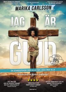 """Marika Carlsson ger efter för publiktrycket och släpper extra föreställningar av """"Jag är Gud"""" i höst."""