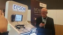 Epson memperkenalkan teknologi cerdas augmented reality untuk pertama kalinya di malam pertandingan Singapura kepada tamu Epson di  MERCEDES AMG PETRONAS Formula OneTM Team Garage