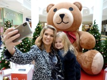 GMB presenter and ellenor patron Charlotte Hawkins supports the Teddy Selfie campaign.