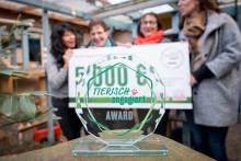 """""""tierisch engagiert""""-Award: 5.000 € für die Katzenhilfe Karlsruhe"""