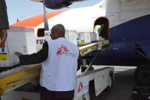 Jemen: Saudiledda koalitionens stängning av gränserna stoppar humanitär hjälp