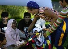 Drömturnén: Unikt projekt för barn på flykt i Sverige