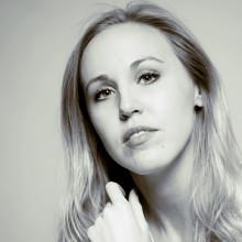Svensk debutant släpper storslagen elektronisk drömpop