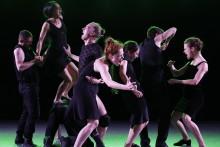 Världsartisterna i Batsheva Dance Company tillbaka i Stockholm