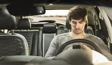 A fiatalok gyorsan hajtanak, okostelefonjukon böngésznek és ittasan vezetnek, amikor szüleik autóját használják – sokuk pedig kérés nélkül is elviszi a kocsit