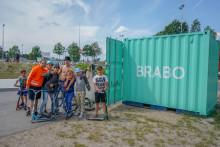 Låna skateboards och sparkcyklar i Vilundaparken i sommar – helt gratis