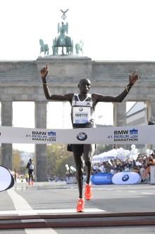 Continentalin kumiteknologia Berliinin maratonin voittajan Dennis Kimetton tukena