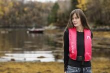 Regatta lanserer Pink Survival: en ny serie FLUORISERENDE ROSA flyteprodukter