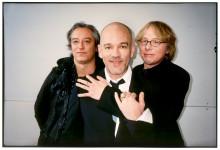 R.E.M. - rakt in på topplistorna med nya albumet Accelerate!