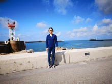 Arctic cruise tourists assist plastic scientists