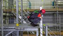 Lätt, flexibelt fallskydd för dem som balanserar på kanten