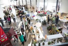 Möbelmässa med formgivning och hållbarhet i fokus