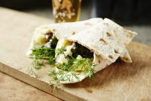 Månadens recept juni - Tunnbrödsrulle med steksill och potatis