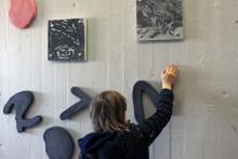 Konsthjältinna hyllas – skola i Tensta får nytt offentligt verk