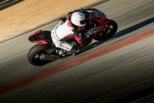 Ge järnet med nya  Battlax Racing R11