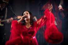 """Lisa Nilssons kritikerrosade föreställning """"Kvinnan som är jag"""" fortsätter på Rival i höst!"""
