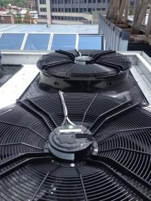 Byte av kylfläktar till HyBlade sänkte energiförbrukningen med 75% och ljudnivån med 15 dB(A)
