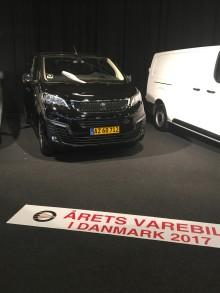 """Peugeot Expert kåret som """"Årets Varebil 2017"""""""