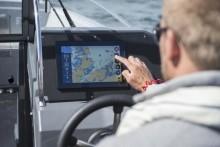 Telia och Buster Boats samarbetar kring smarta uppkopplade båtar
