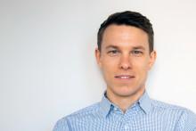 Fredagsporträttet: Koncernledningsassistent Isak växlar upp i karriären
