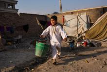 Rädda Barnens nya rapport: I Afghanistan riskerar både flickor och pojkar att utsättas för grovt våld, hot och allvarlig diskriminering